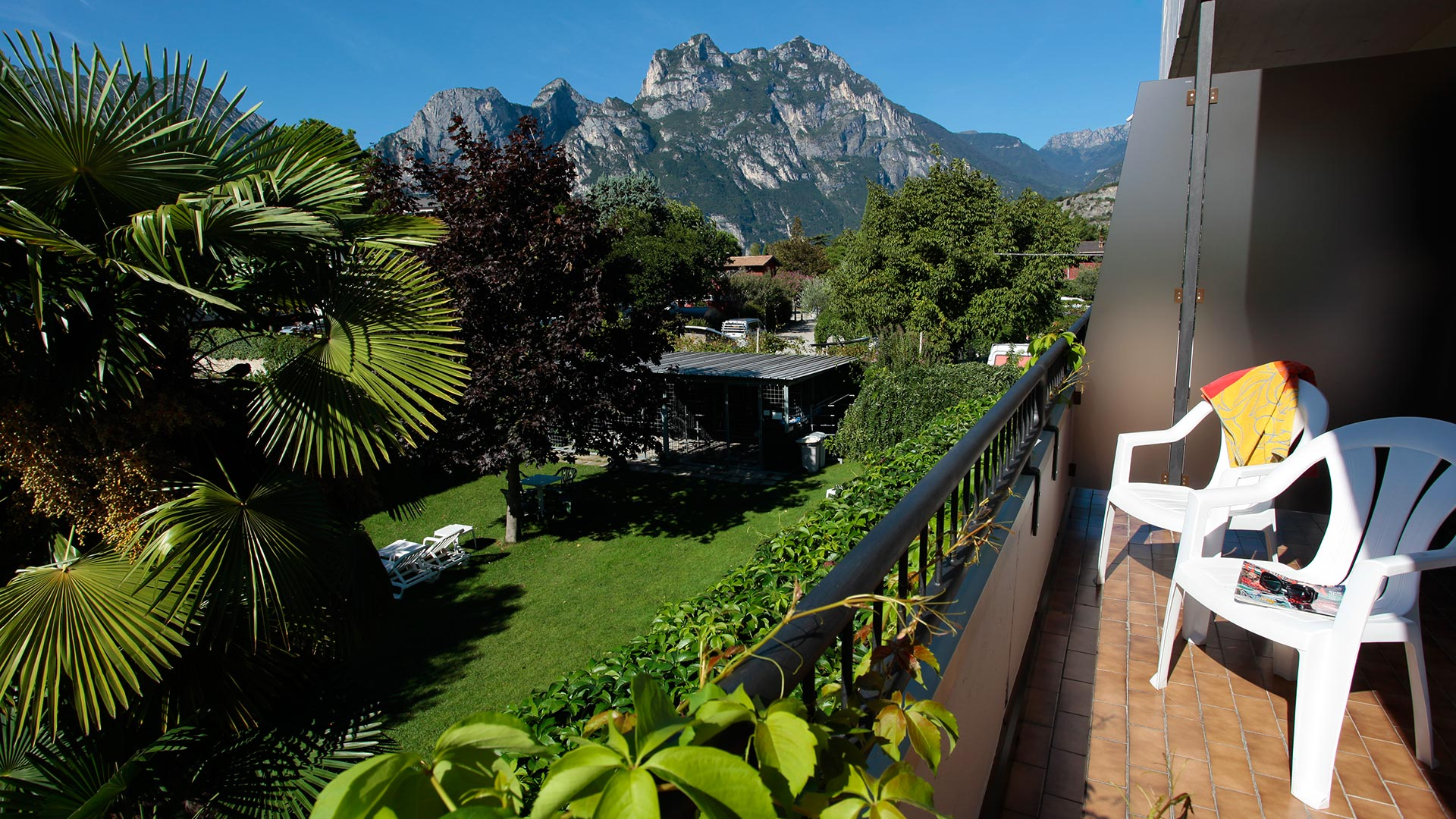 Vista della Rocchetta da Villa Claudia Torbole